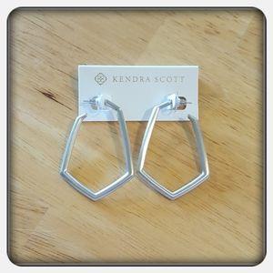 NWOT Kendra Scott Silver Lonnie Earrings
